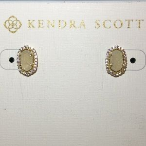 Kendra Scott NWT Cade Stud Earrings